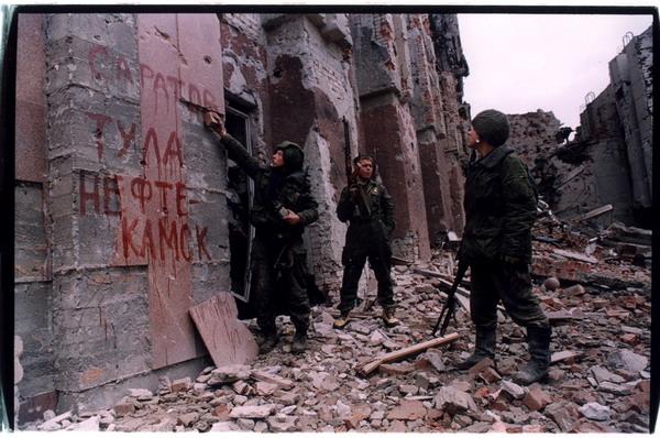 Большинство украинцев обвиняет в захвате админзданий на Донбассе российские спецслужбы, - опрос - Цензор.НЕТ 70
